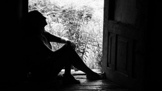 Dora sufrió violencia por parte de su papá y del padre de sus hijas. ISTOCK/GETTY IMAGES