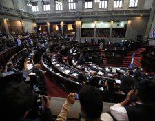 La decisión de la Comisión Permanente de denunciar a tres magistrados de la CC causó reacciones encontradas entre las bancadas del Congreso. (Foto Prensa Libre: Hemeroteca PL).
