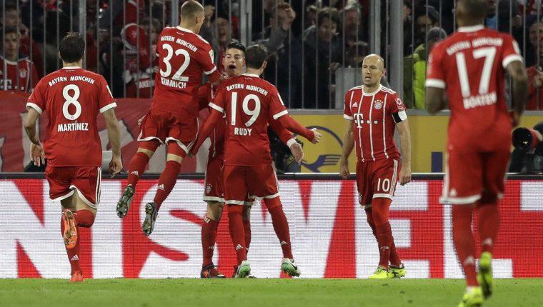 James hizo vibrar al Allianz Arena con un gol en el primer tiempo. (Foto Prensa Libre: AP)