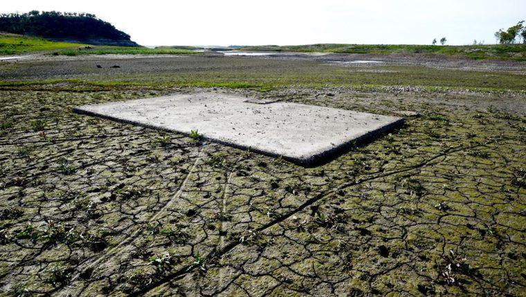 La falta de lluvia está dañando los suelos.
