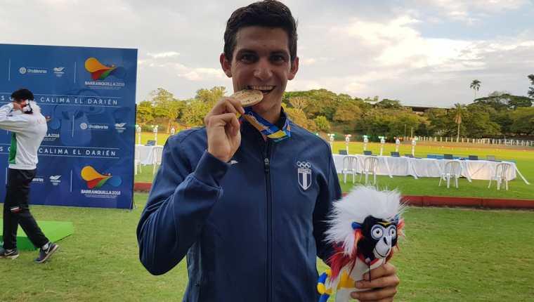 Charles Fernández al momento de ingresar a la meta en primer lugar de pentatlón moderno, en Barranquilla 2018. (Foto Prensa Libre: Cortesía COG)
