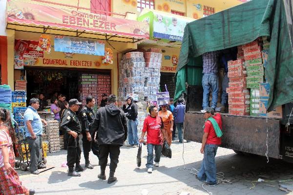 Las autoridades han decomisado camiones con productos de contrabando, pero esa actividad ilegal no se detiene.