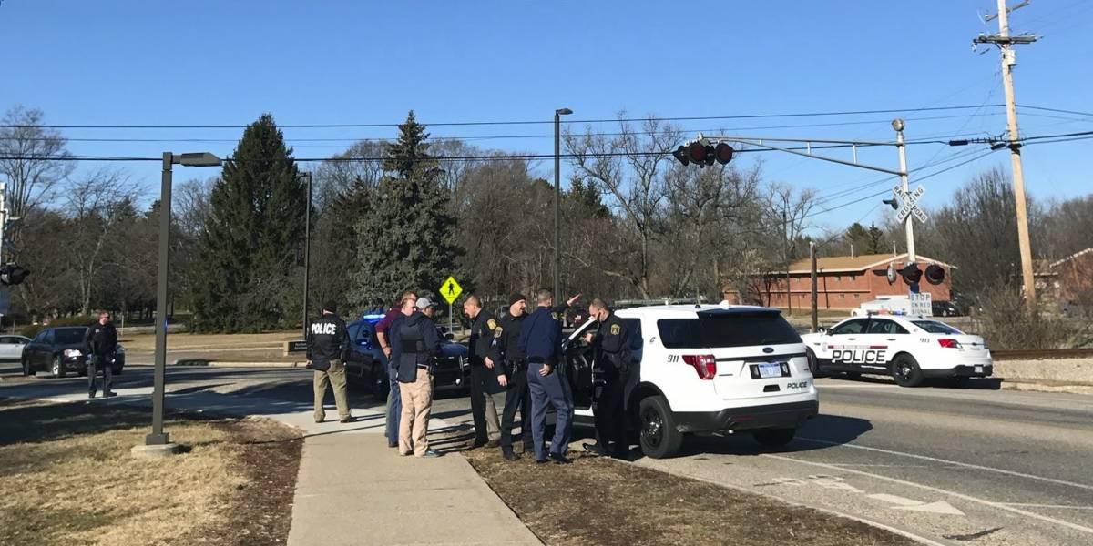 Autoridades de Michigan buscan al responsable de un ataque armado en una universidad de Michigan, EE.UU. (Foto Prensa Libre: EFE)