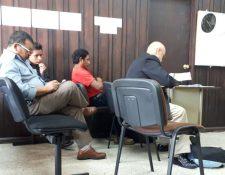 La audiencia se llevó a cabo en el Juzgado de Primera Instancia Penal de Sololá. (Foto Prensa Libre: Ángel Julajuj)
