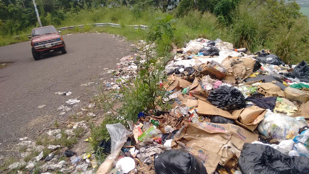 Pobladores piden cierre de basurero clandestino