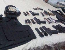 Armas localizadas en San Jorge, Zacapa, durante allanamientos efectuados por la PNC y el MP. (Foto Prensa Libre: MP)