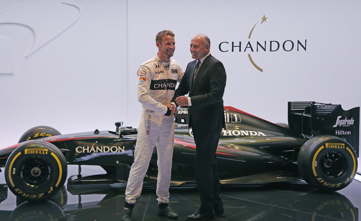 McLaren confirma que Button seguirá en la escudería en 2016