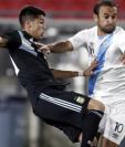 El seleccionado guatemalteco José Manuel Contreras jugó su tercer partido contra la Selección de Argentina. (Foto Prensa Libre: EFE)