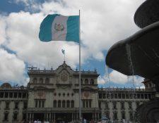 La entrega de las cenas navideñas será para las primeras tres mil personas que lleguen a la Plaza de la Constitución. Fotografía: Prensa Libre.