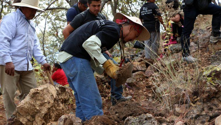 En México es común el hallazgo de fosas clandestinas. (Foto Prensa Libre: EFE).