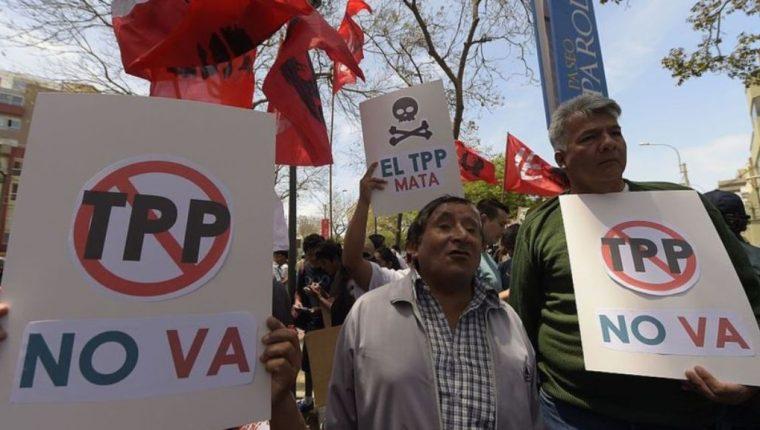 Trump no es el único que se opone al TPP. Por otras razones, el acuerdo ha sido cuestionado por organizaciones civiles y activistas en América Latina. AFP
