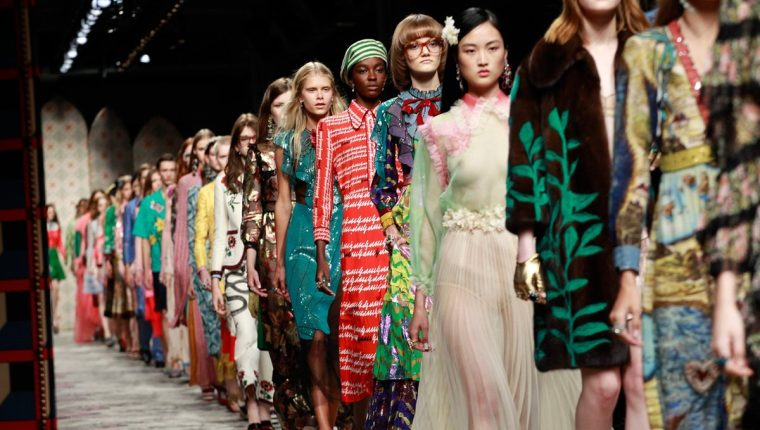 Gucci unificará sus desfiles de hombre y mujer a partir del 2017 ...
