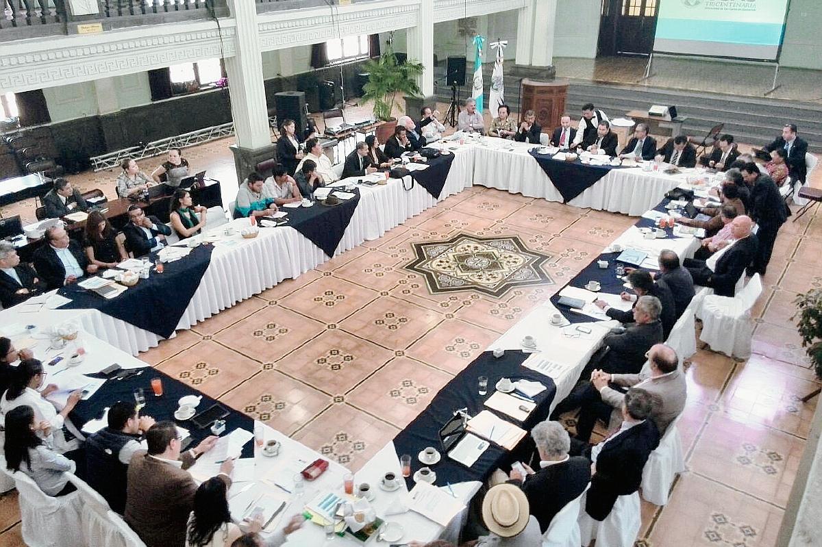 Sectores se reúnen para consensuar reformas al Estado