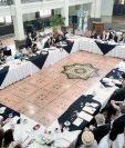 Sectores se reúnen en el Paraninfo Universitario para discutir reformas a varias leyes. (Foto Prensa Libre: Estuardo Paredes)