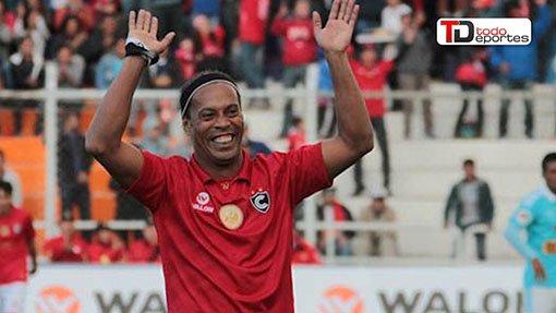 El astro brasileño disputó recientemente un partido de exhibición en Perú. (Foto Prensa Libre: AFP).
