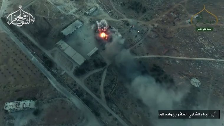 Bombardeos de fuerzas rebeldes para retomar una parte de la provincia siria de Alepo. (Foto Prensa Libre: AFP)