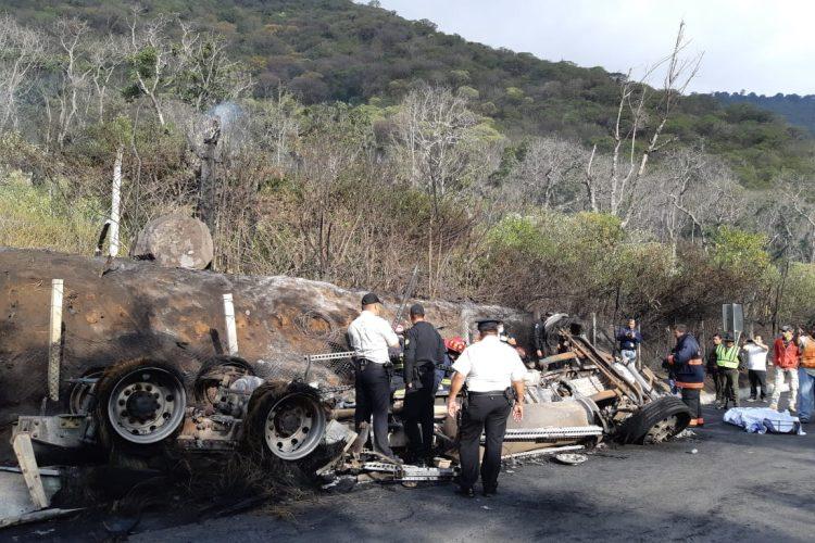 Cisterna de combustible se accidentó en el km 70 de la RN 14.