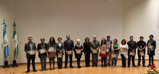 UVG reconoce literatura guatemalteca