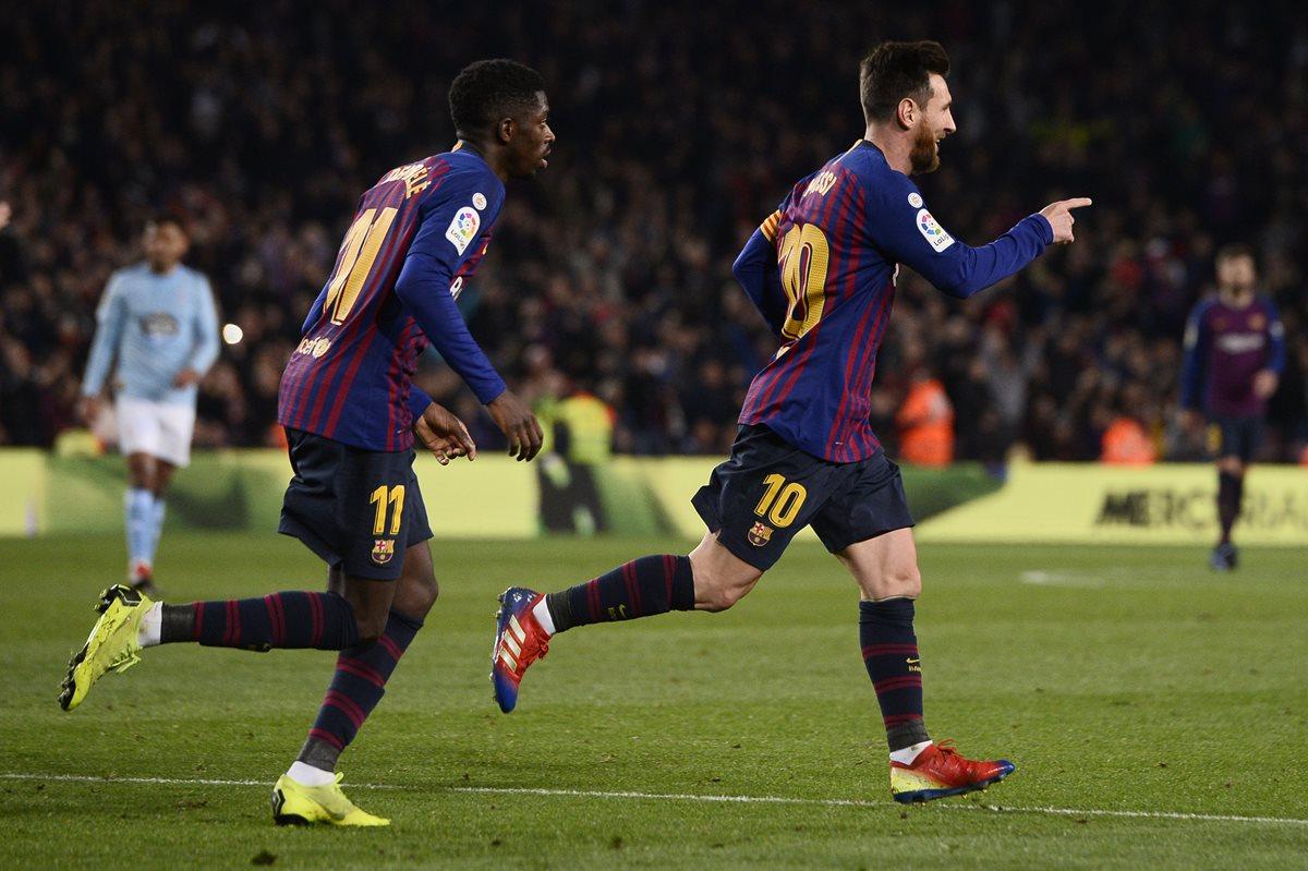 Lionel Messi y Ousmane Dembelé fueron los artífices de la victoria del Barcelona. (Foto Prensa Libre: AFP)