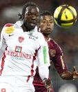 El defensa gabonés Moise Brou Apanga falleció el miércoles a los 35 años de edad en un entrenamiento con su club como consecuencia de un afección cardíaca. (Foto Prensa Libre: Tomado de internet)