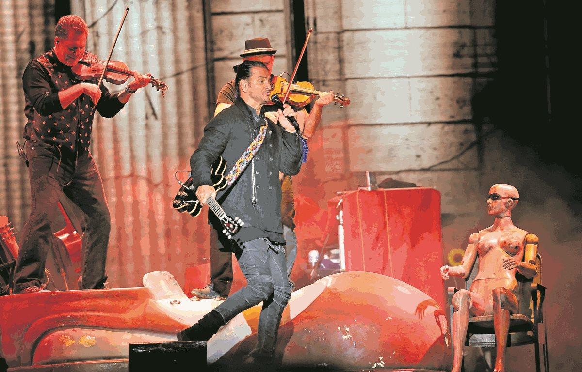 El pasado 11 de febrero el equipo musical del cantautor guatemalteco, Ricardo Arjona, fue embargado. (Foto Prensa Libre: Hemeroteca PL)