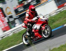 Mauricio Roque se impuso en la categoría 600cc en el Campeonato Nacional de Motovelocidad. (Foto Federación).