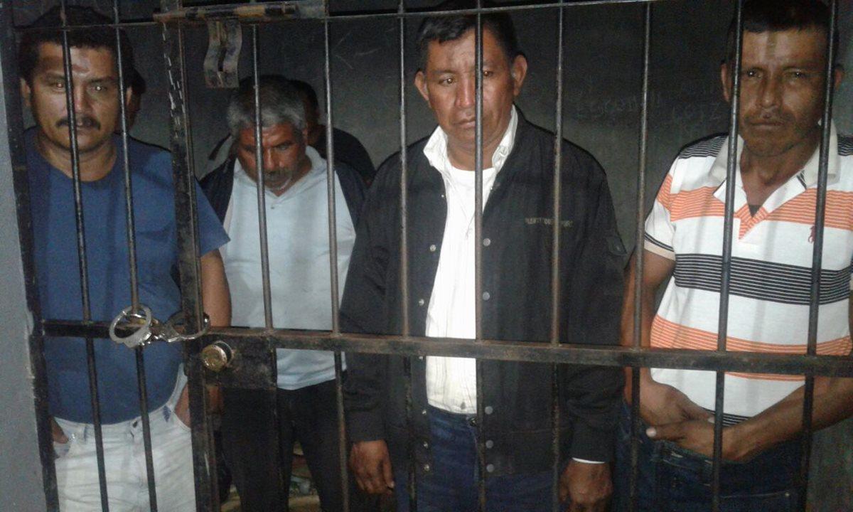 Cuatro capturados con lote de madera ilegal