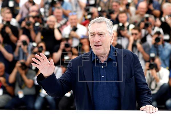 Robert De Niro en la gala de los Premio Tony insulta al presidente de Estados Unidos. (Foto Prensa Libre: EFE)