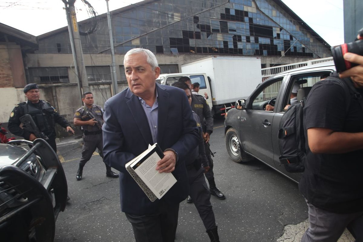 Sistema Penitenciario carece de atención médica para Otto Pérez Molina