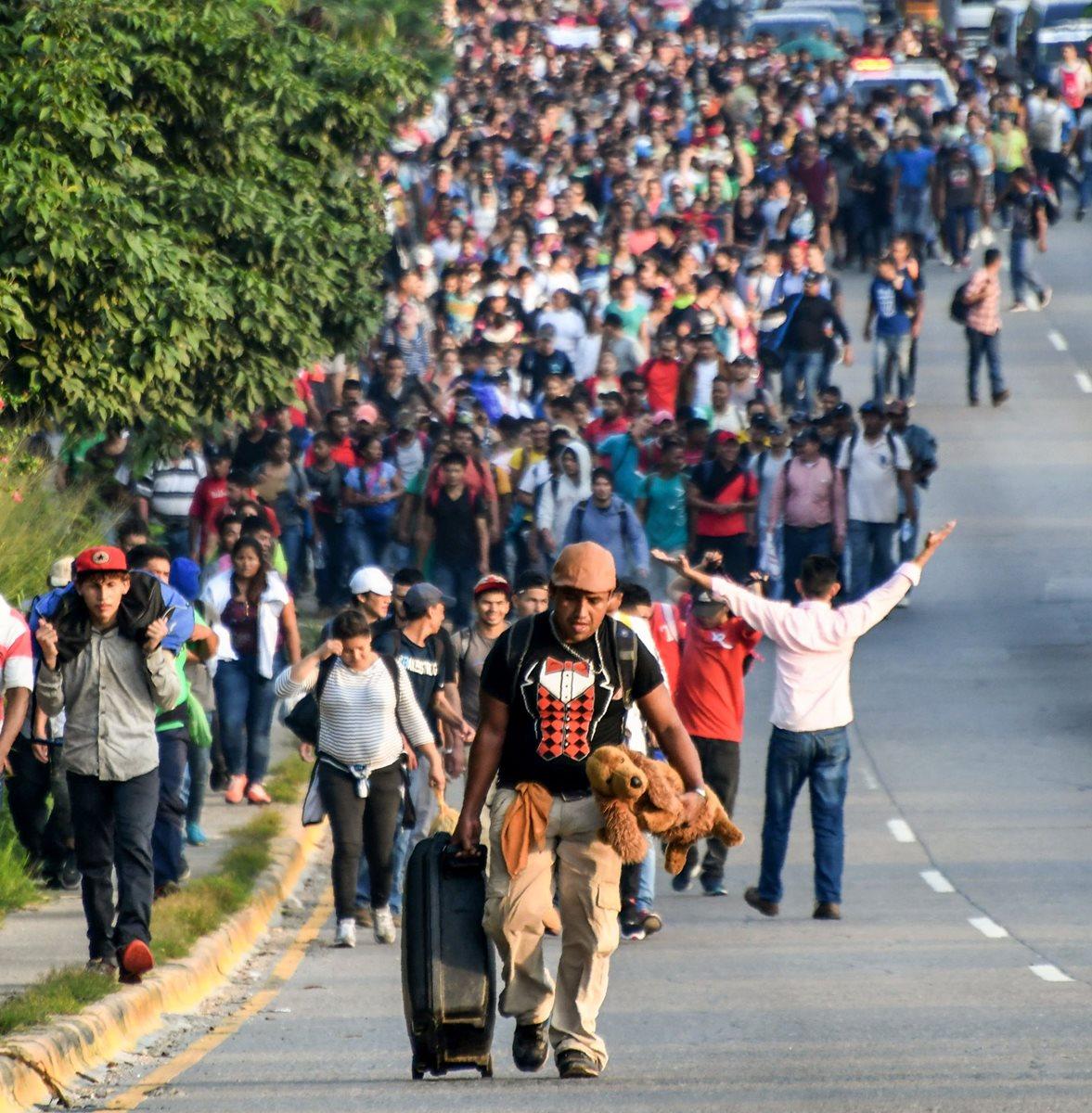 Caravana de migrantes hondureños se dirige a Estados Unidos