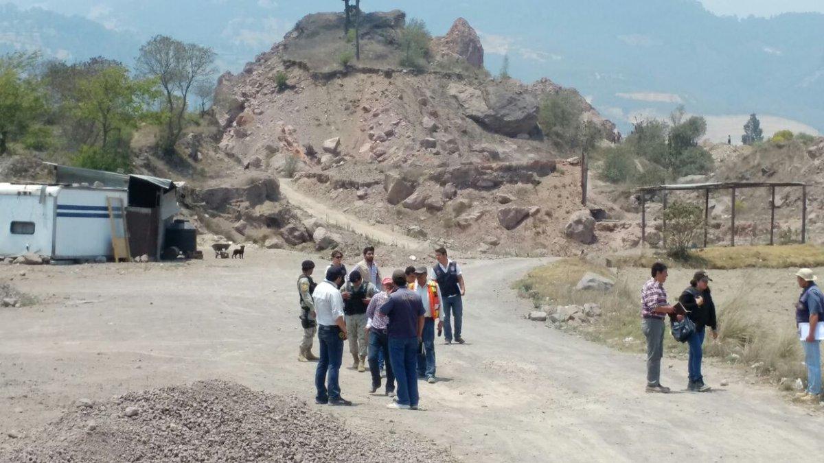 En abril del 2017 el Ministerio Público y delegados del Ministerio de Ambiente y Recursos Naturales llevaron a cabo una inspección en Xecaracoj verificiar la extracciòn ilegal de rocas. (Foto Prensa Libre: elQuetzalteco)