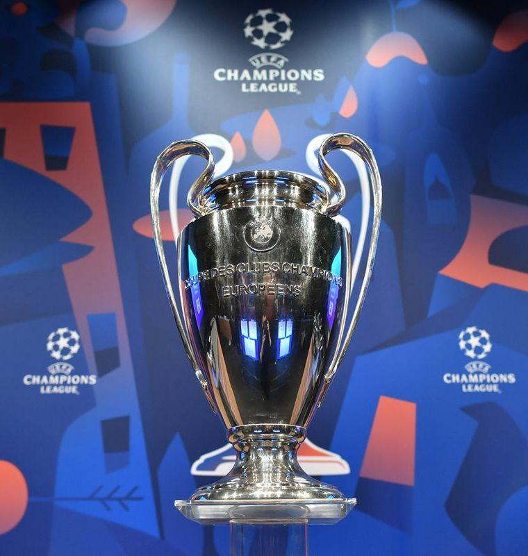 El trofeo de la Champions League que defiende el Real Madrid será entregado al campeón en la final el 1 de junio de 2019 en el Wanda Metropolitano de Madrid. (Foto Prensa Libre:AFP)