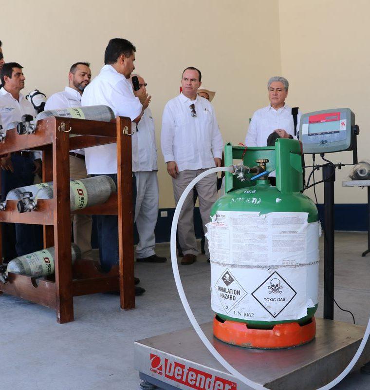 Tanto las instalaciones como el equipo que se utilizará en este recinto mejorará el proceso de fumigación de productos agropecuarios que son importados. (Foto Prensa Libre: Enrique Paredes)