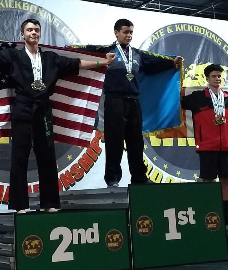 En su segunda medalla de oro el deportista quetzalteco se impuso a los seleccionados de Estados Unidos y Canadá respectivamente. (Foto Prensa Libre: Cortesía)