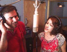 35655b8c17 Francisco Páez canta junto a Gaby Moreno. (Foto Prensa Libre  Malacates  Trébol Shop