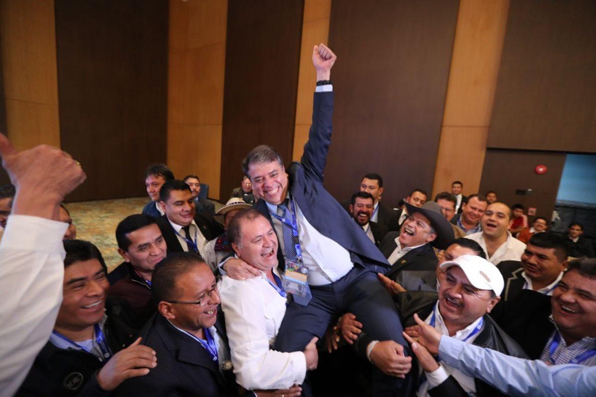 Edwin Escobar es electo como presidente de la Anam por segundo periodo. (Foto Prensa Libre: Érick Ávila)