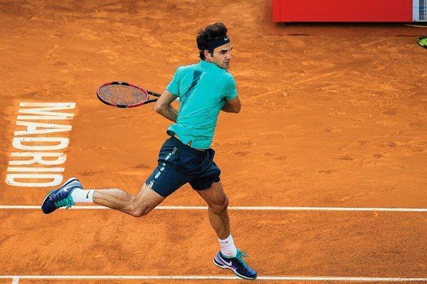 Roger Federer cayó ante un juvenil en Madrid. (Foto Prensa Libre: AP)
