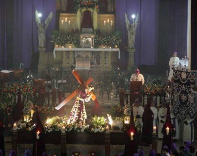 Cortejos recorren Antigua y Centro Histórico