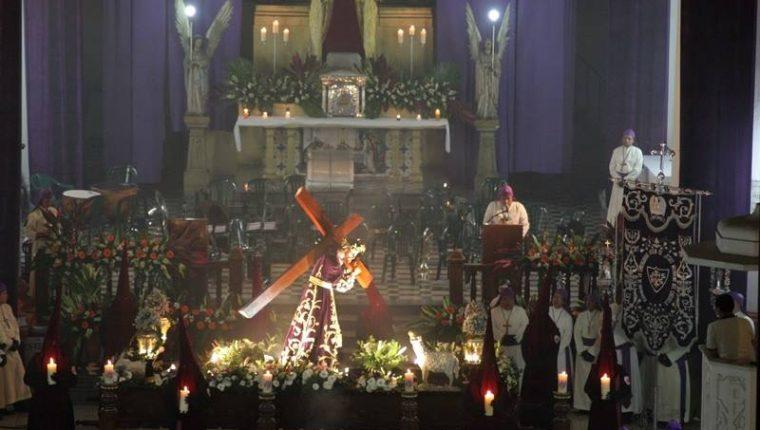 El próximo mes se celebra el 60 aniversario de la consagración de la imagen de Jesús Nazareno del Consuelo. (Foto Prensa Libre: Cortesía)