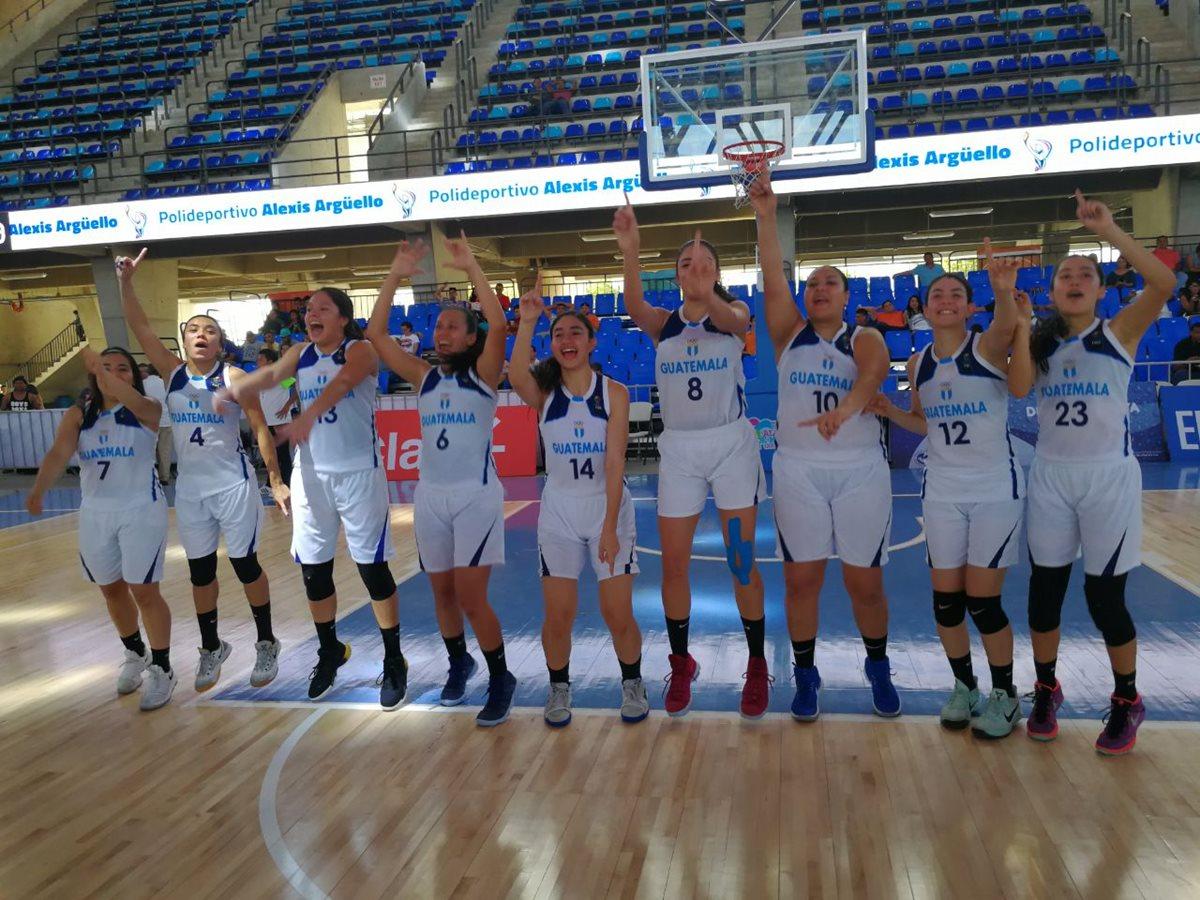 La Selección Femenina de Baloncesto festeja una medalla con sabor especial