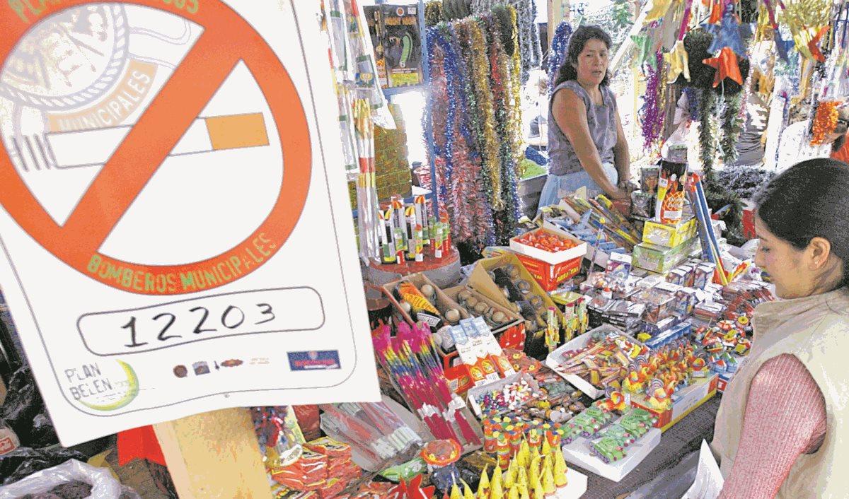 Las autoridades buscan evitar incendios en ventas de cohetes. (Foto Hemeroteca PL)
