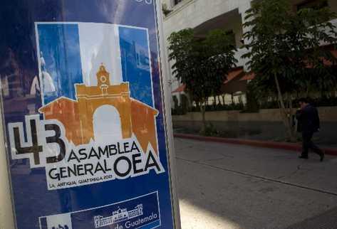 Vista de un letrero de la 43 Asamblea General de la Organización de la OEA. (Foto Prensa Libre: EFE)