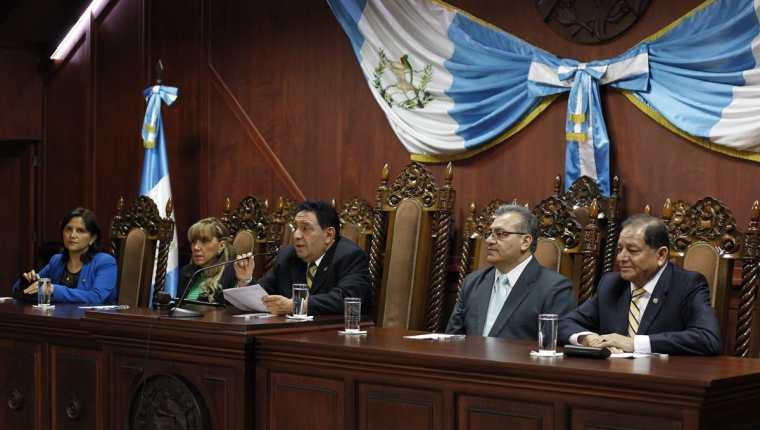 Magistrados de la Corte de Constitucionalidad durante la conferencia de prensa. (Foto Prensa Libre: Paulo Raquec).