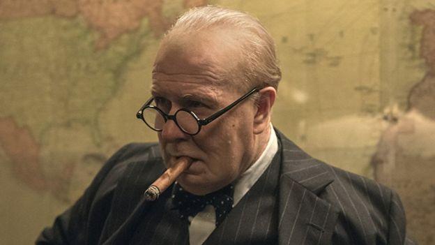 """Gary Oldman, claro favorito a ganar el Oscar por su papel en """"Las horas más oscuras"""" ha sido acusado de abuso por parejas anteriores. (Foto: IMDB)"""