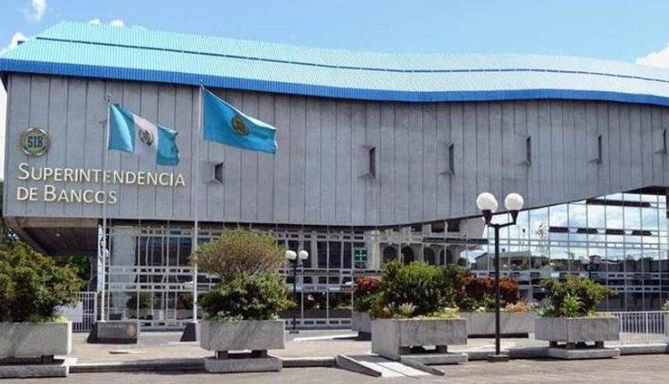 La Superintendencia de Bancos subastará 15 vehículos de diferentes marcas y modelos. (Foto Prensa Libre: Hemeroteca PL)