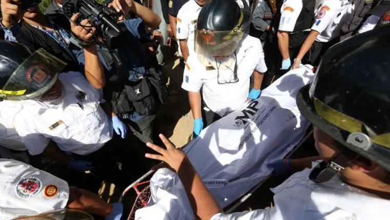 Según el informe forense del Inacif, el cadáver de Byron Lima tenía siete heridas de bala. (Foto Prensa Libre: EFE)