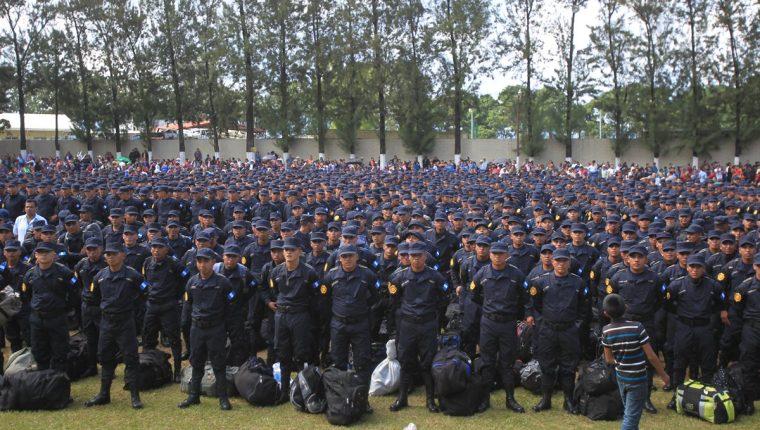 Treinta y cinco mil agentes conforman la PNC.(Foto Prensa Libre: Hemeroteca PL)