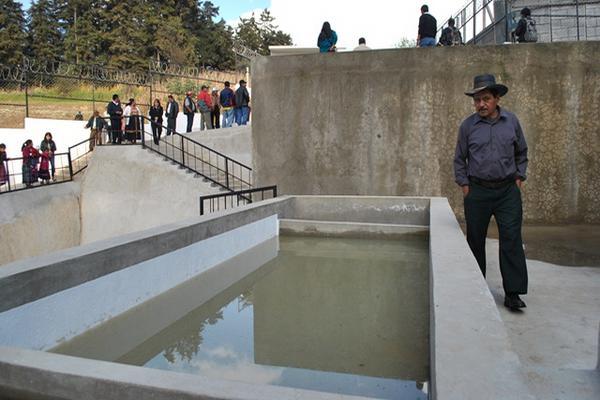 Todos los municipios del país deben construir plantas de tratamiento de aguas residuales, pero la mayoría no tiene fondos para desarrollar los proyectos. (Foto Prensa Libre: Hemeroteca PL)