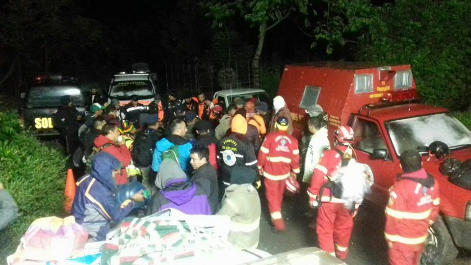 Turistas que se extraviaron en el volcán Atitlán se encuentran a salvo