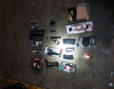 Mercadería encontrada dentro de un contenedor en Puerto Barrios, Izabal. (Foto Prensa Libre: PNC)